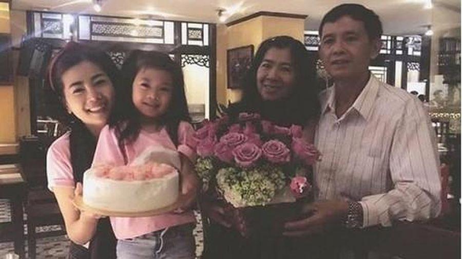 Bảo mẫu bé Lavie tiếp tục 'phản pháo' bố mẹ cố nghệ sĩ Mai Phương