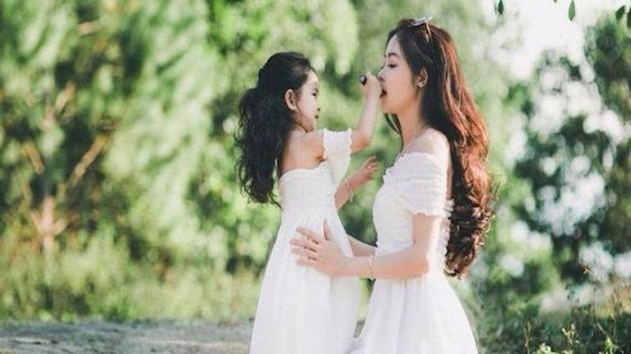 8 bài học mẹ nhất định phải dạy con gái