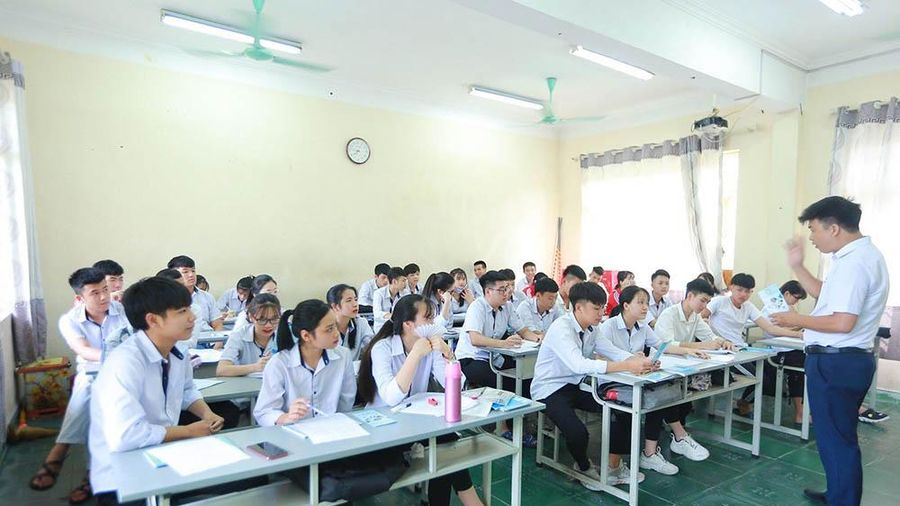 'Học bổng tuyển sinh' của Trường Đại học Công nghiệp Quảng Ninh
