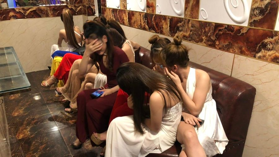 Đột kích vào quán karaoke ở Sài Gòn phát hiện gần 100 dân chơi dương tính ma túy