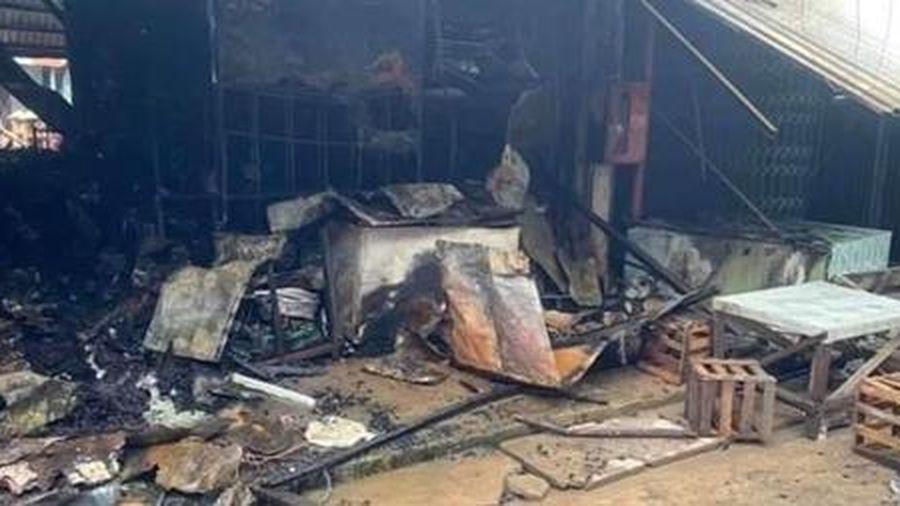 Cháy nhà lồng chợ Nhị Quý ở Tiền Giang