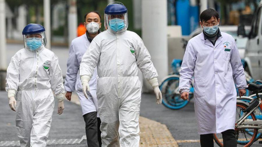 WHO nói cảnh báo đầu tiên về COVID-19 không đến từ giới chức Trung Quốc