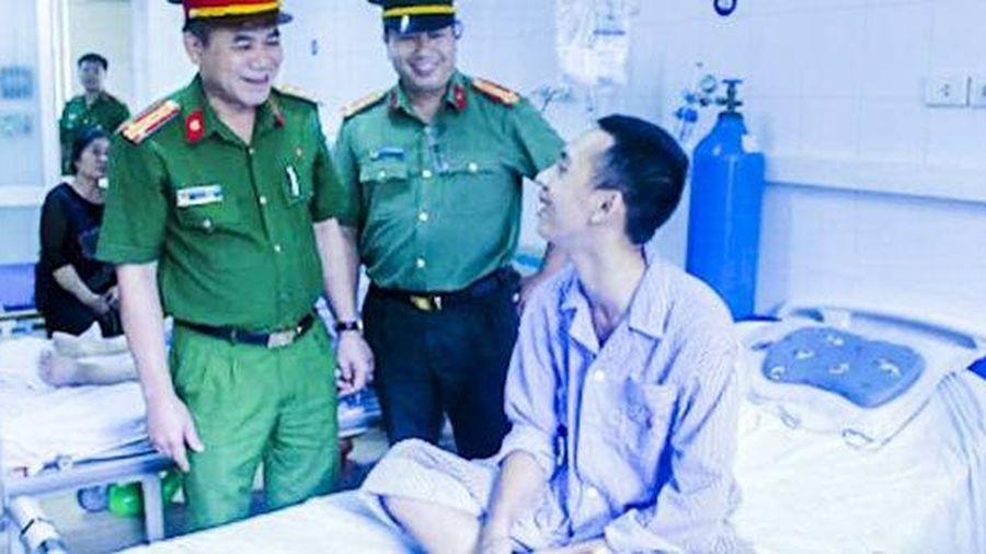 Nam sinh bắt cướp bị đâm trọng thương: 'Sẽ tiếp tục bắt cướp, không bao giờ lùi bước'