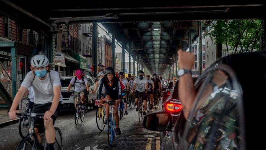'Như một đội kỵ binh' - cuộc biểu tình trên yên xe đạp ở New York