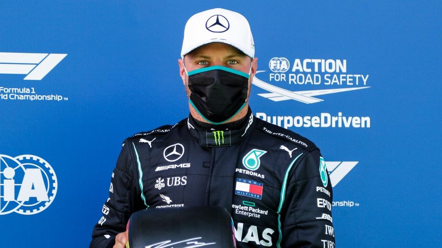 Bottas vượt Hamilton giành pole chặng đầu tiên mùa giải