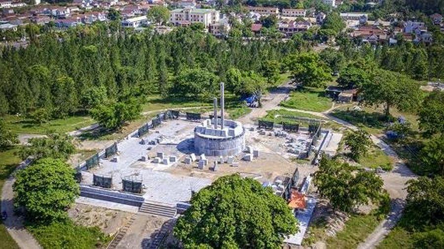 Huyện nghèo xây tượng đài 48 tỷ đồng: Chủ tịch huyện nói gì?