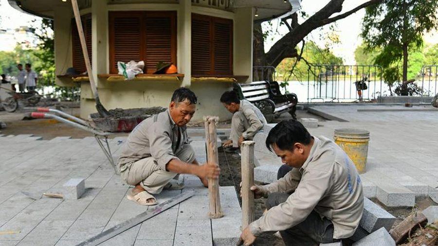 Hà Nội tăng cường giám sát việc lát đá vỉa hè