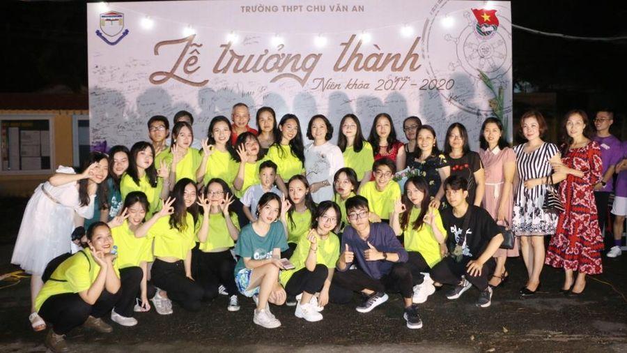 Lễ tri ân đầy sắc màu của học sinh khối 12 trường THPT Chu Văn An