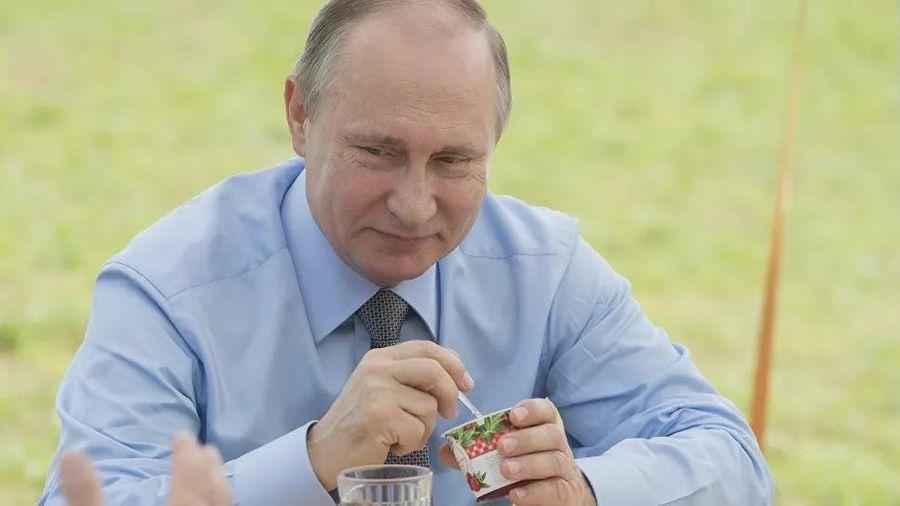 Áo sơ-mi của Tổng thống Putin bất ngờ được rao bán trên mạng
