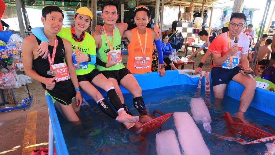Tiền Phong Marathon 2020: Chiếc bể ngâm đá đặc biệt ở Lý Sơn