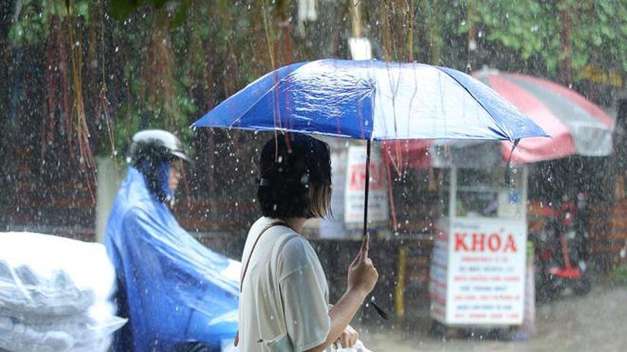 Thời tiết ngày 5/7: Mưa lớn ở vùng núi Bắc Bộ, Trung Trung Bộ trời nắng nóng
