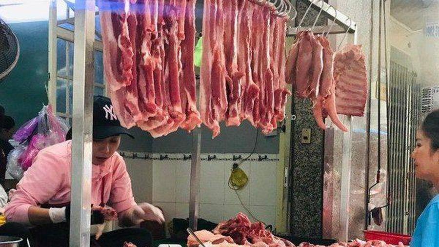 Lợi nhuận doanh nghiệp bán thịt lợn tăng phi mã, cổ phiếu leo lên đỉnh cao