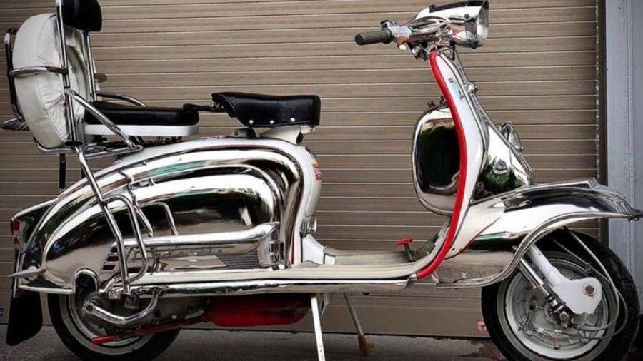 Cận cảnh xe máy cổ hơn 60 năm tuổi, giá bán gần nửa tỷ đồng