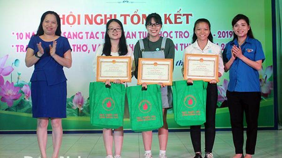 Tổng kết 10 năm Trại sáng tác Thơ văn tuổi học trò tỉnh Đồng Nai
