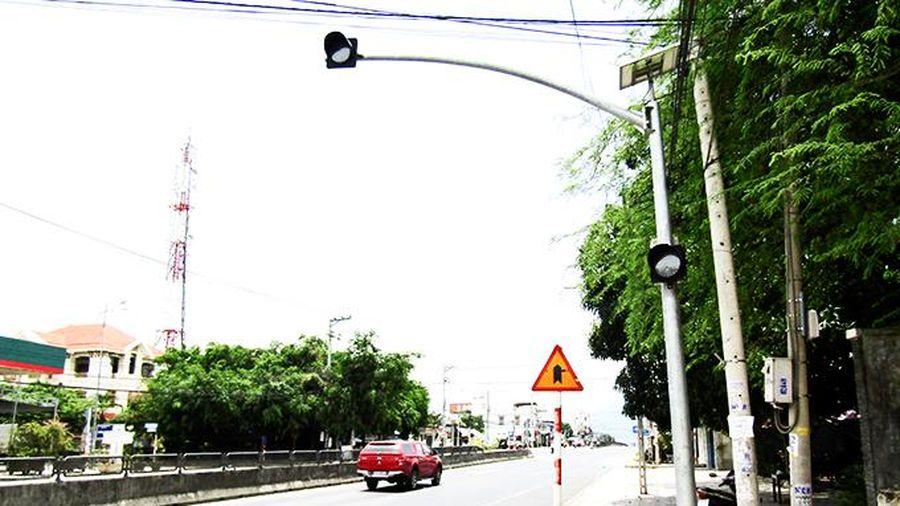 Cần sửa chữa đèn tín hiệu giao thông