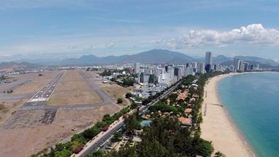 Thành lập tổ giúp việc thực hiện đấu giá quyền sử dụng đất tại khu vực sân bay Nha Trang