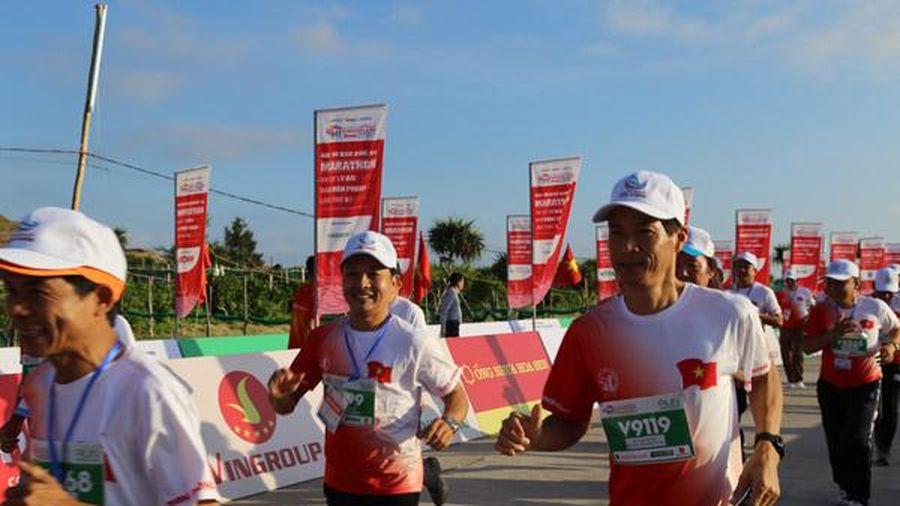 Bảo đảm an ninh cho hàng người chạy marathon trên đảo Lý Sơn