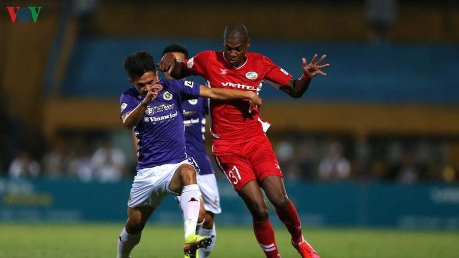 HLV Chu Đình Nghiêm: 'Hà Nội FC chỉ còn 13 cầu thủ lành lặn'