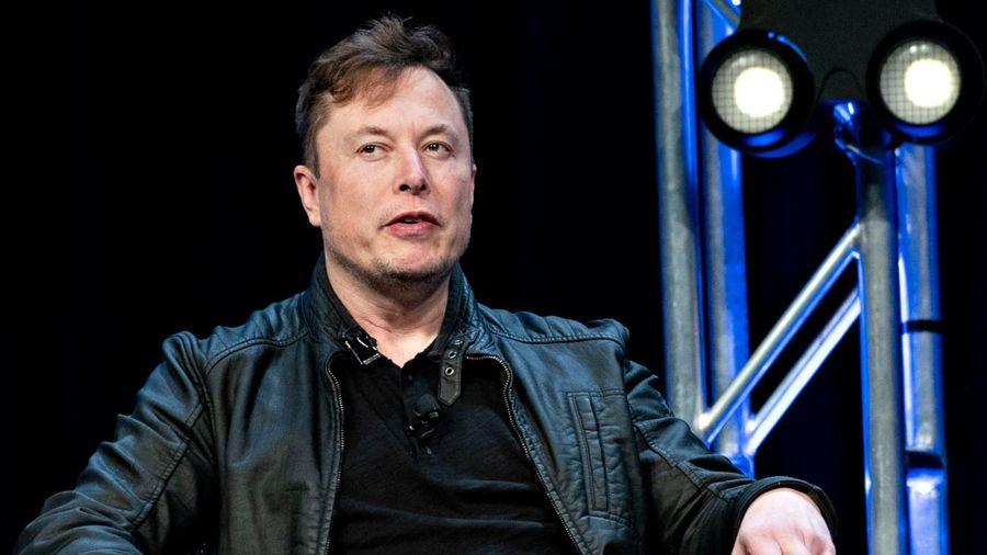 Tesla có xứng đáng vượt mặt Toyota?