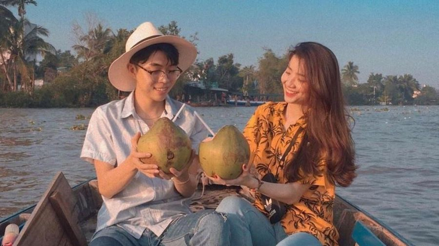 Ăn sáng, ngắm khu chợ trên sông nổi tiếng bậc nhất Việt Nam