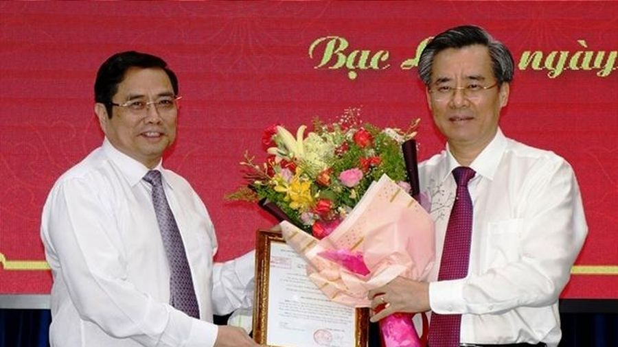 Bộ Chính trị phân công Phó Trưởng Ban Tổ chức Trung ương; chỉ định tân Bí thư Tỉnh ủy