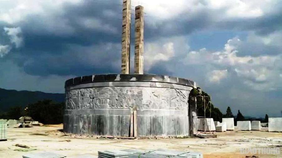 Huyện nghèo Bình Định xây tượng đài 48 tỷ: Sao không gây quỹ giúp dân khó?