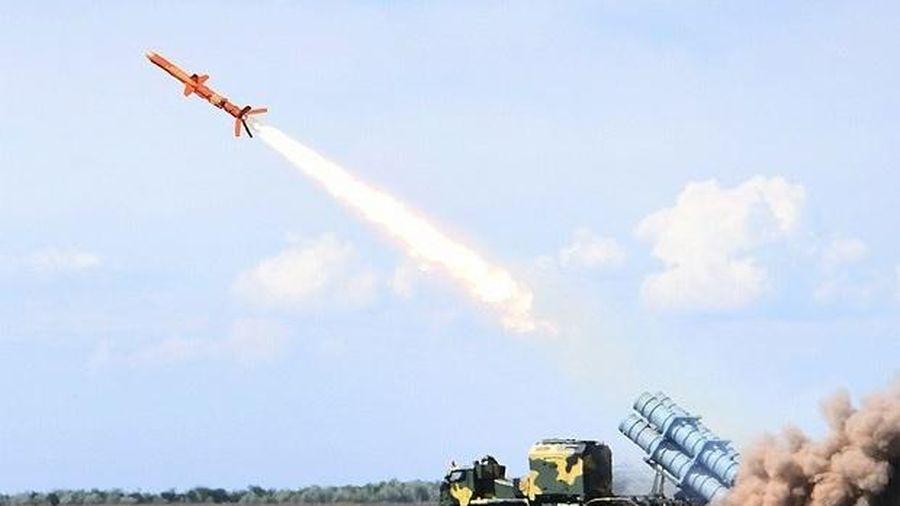 Định lấy lại Crimea từ Nga, Ukraine 'bắn tin' triển khai tên lửa, nói đang 'đợi' để hành động