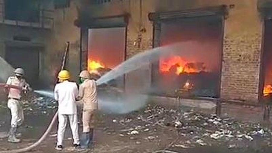Nổ nhà máy ở Ấn Độ, ít nhất 11 người thương vong