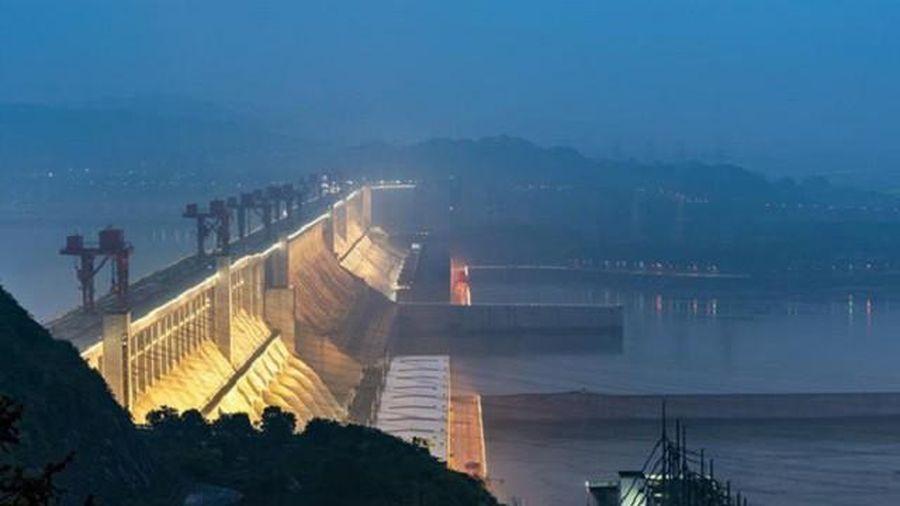 Đập Tam Hiệp có khả năng chịu đựng sức nước lớn như thế nào?