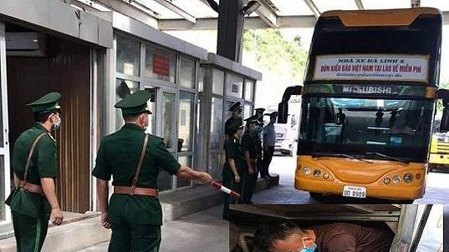 Phát hiện 3 công dân chui trong hầm xe khách để tránh cách ly khi nhập cảnh
