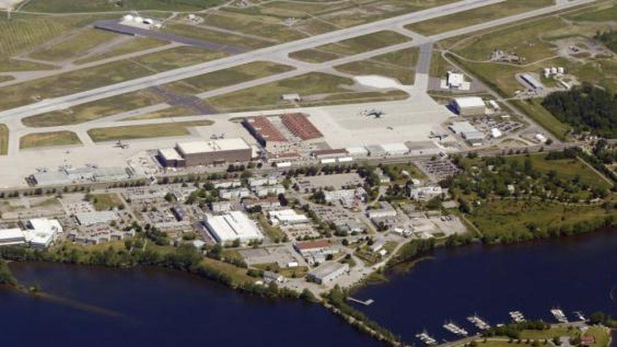 Máy bay quân sự Canada bỏ dở hành trình do lo ngại COVID-19
