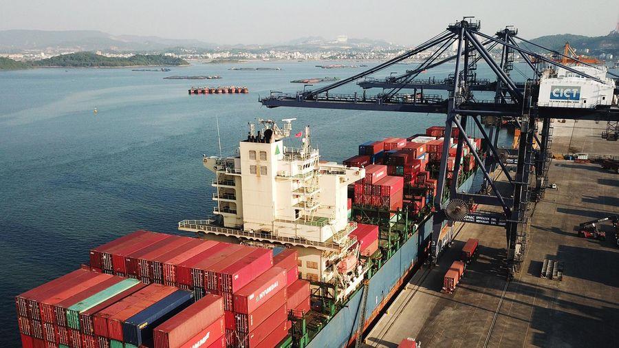 Sản lượng hàng hóa qua cảng biển tăng trưởng tốt