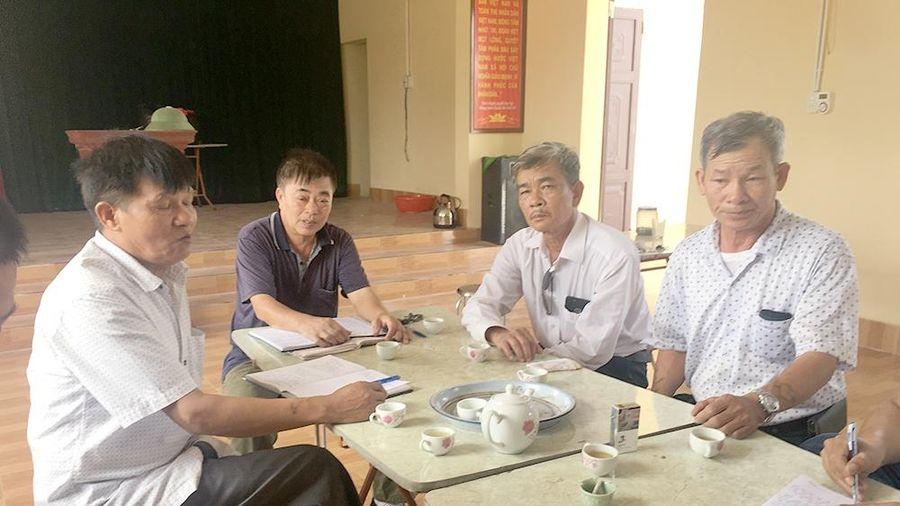 Hải Dương: Tự ý lập 'BOT' thu phí xe tải đi vào đường làng