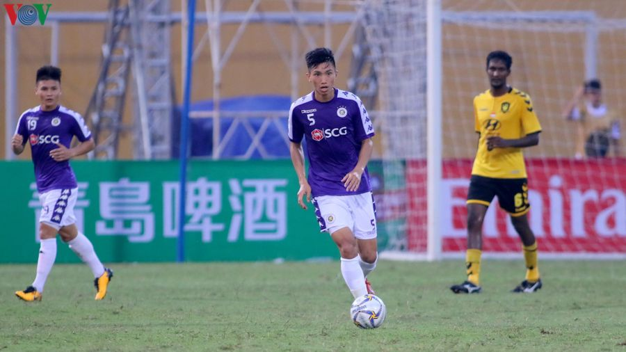 HLV Chu Đình Nghiêm mong muốn Văn Hậu trở lại Hà Nội FC