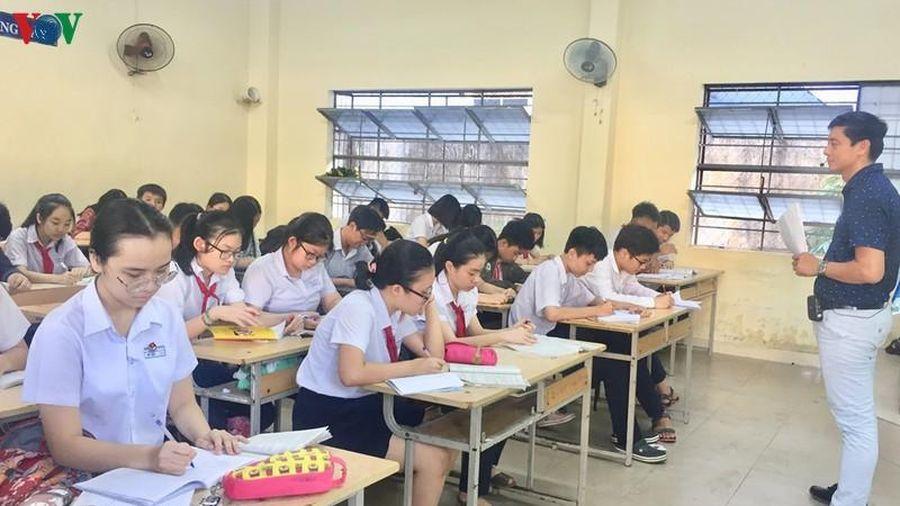 Clip' Sức 'nóng' của kỳ thi vào các trường THPT chuyên ở Hà Nội