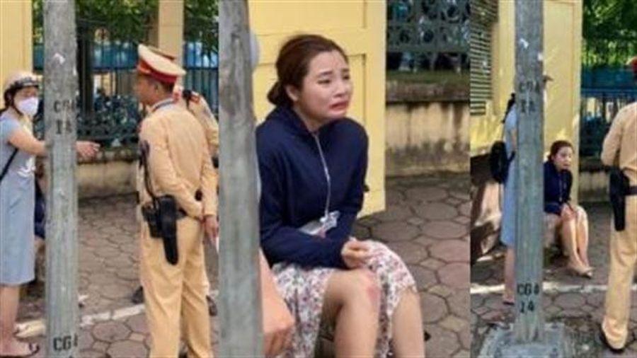 CSGT bị tố kéo ngã 2 phụ nữ: CSGT ra giúp đỡ