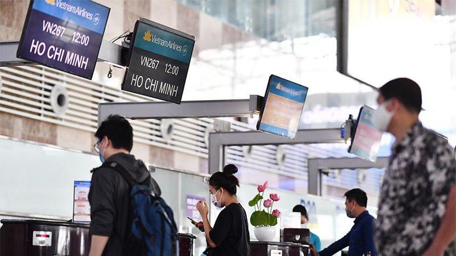 Khuyến cáo khách làm thủ tục sớm trước hai tiếng tại Nội Bài và Tân Sơn Nhất