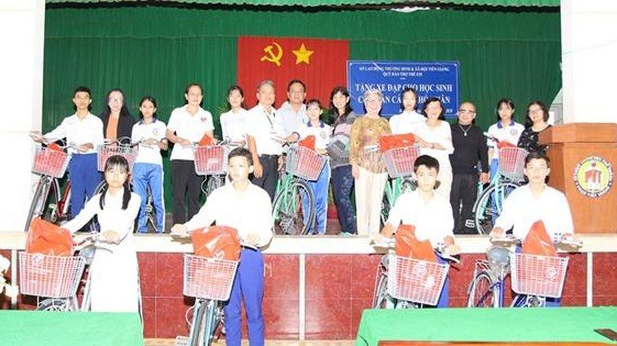 Tiền Giang: Nối gần đường tới trường cho học sinh khó khăn vùng sâu, xa