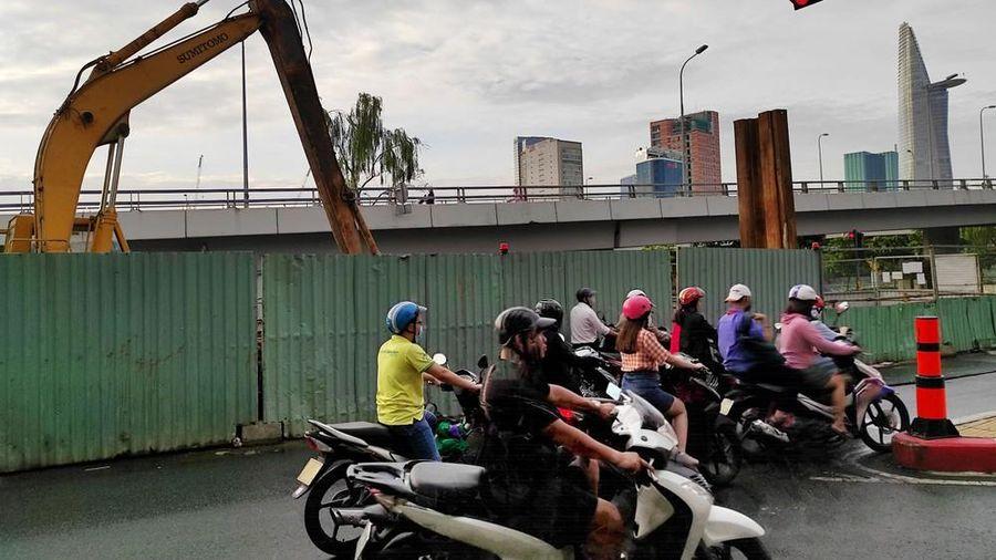 Lô cốt chống ngập bủa vây đường phố Sài Gòn