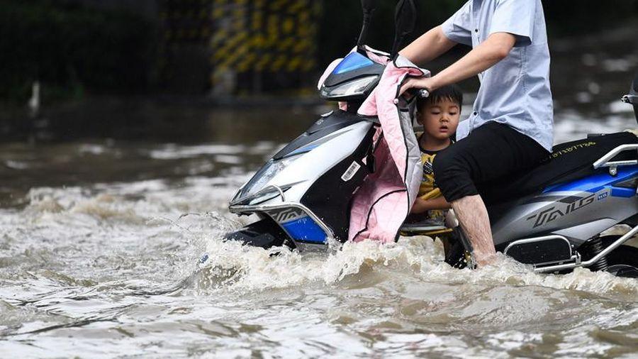 Các thành phố dọc Trường Giang hứng chịu ngập lụt