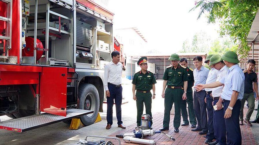 Trung tướng Nguyễn Trọng Bình kiểm tra công tác ứng phó sự cố thiên tai tại Quảng Ninh