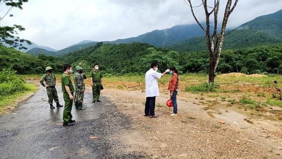Quảng Ninh đưa người nhập cảnh trái phép đi cách ly y tế tập trung
