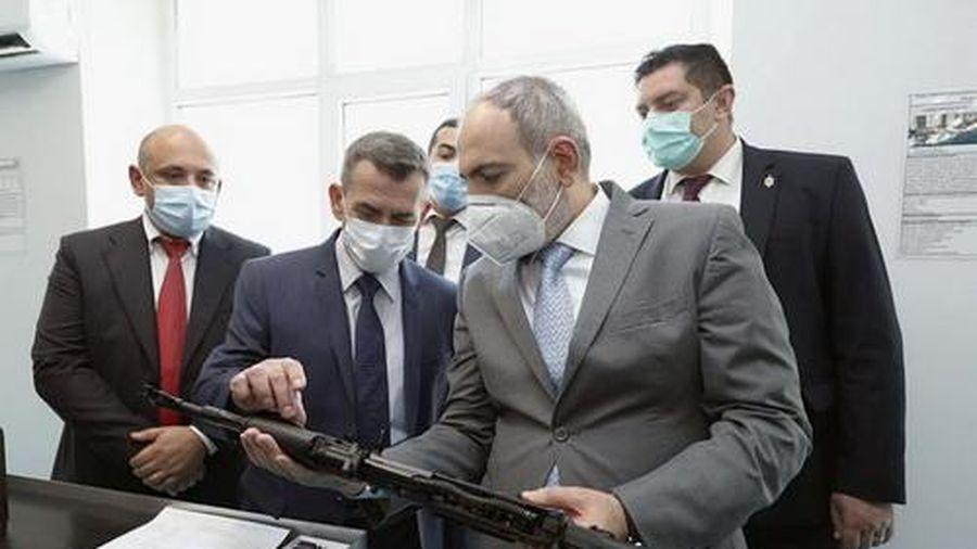 Armenia bắt đầu sản xuất súng trường tấn công AK-103 của Nga