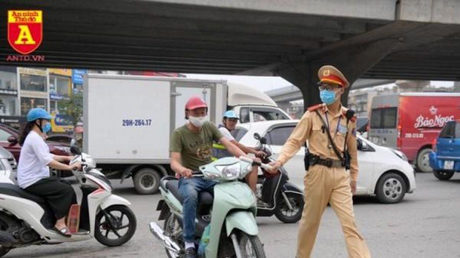 Cảnh sát giao thông chỉ được dừng xe trong 4 trường hợp kể từ ngày 5/8?