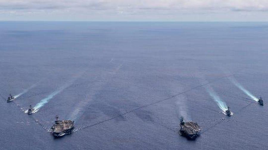 Đô đốc Mỹ tiết lộ tình hình tập trận của hai nhóm tàu sân bay ở Biển Đông
