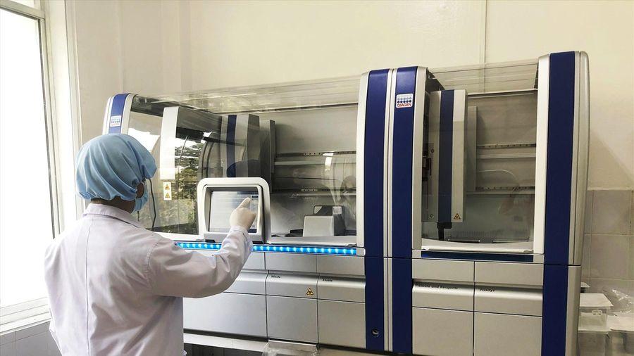 Chủ tịch Quảng Nam yêu cầu hủy gói thầu mua máy xét nghiệm Covid-19