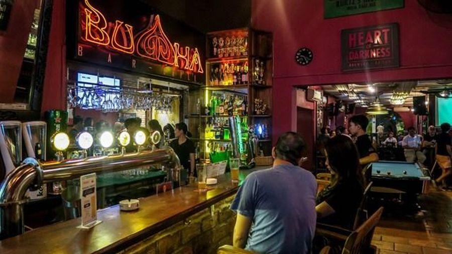 'Ổ dịch' quán Bar Buddha thực hiện dỡ bỏ biển hiệu do liên quan đến tôn giáo