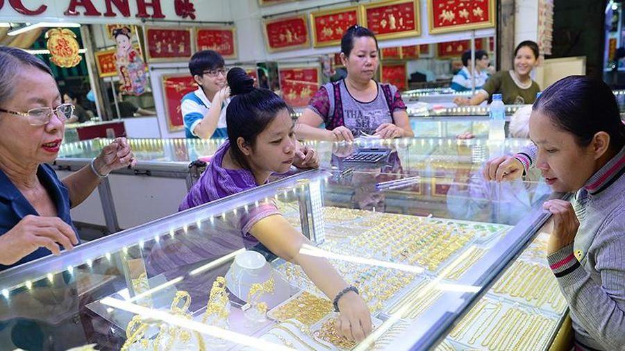 Giá vàng xô đổ mọi kỷ lục, lên đỉnh cao mới