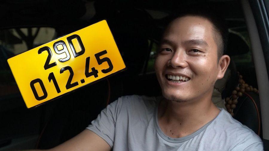 Tài xế xe công nghệ: 'Nhà nước nên hỗ trợ phí đổi biển số xe màu vàng'