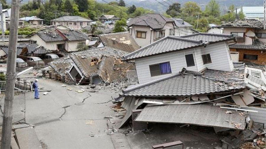 Hơn 100 sĩ tử Trung Quốc chạy khỏi trường thi vì động đất